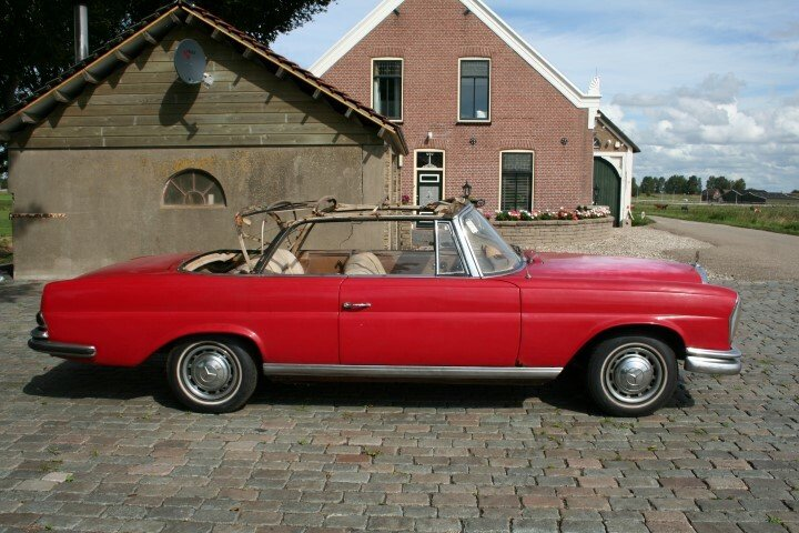 1962 Mercedes 220SE Convertible W111 For Sale (picture 4 of 6)