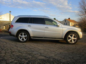 2009 1 owner, GL450 Mercedes Benz