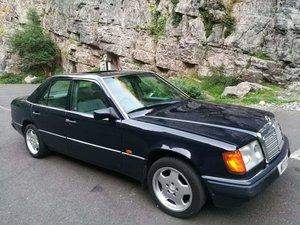 1993 Mercedes W124 250D