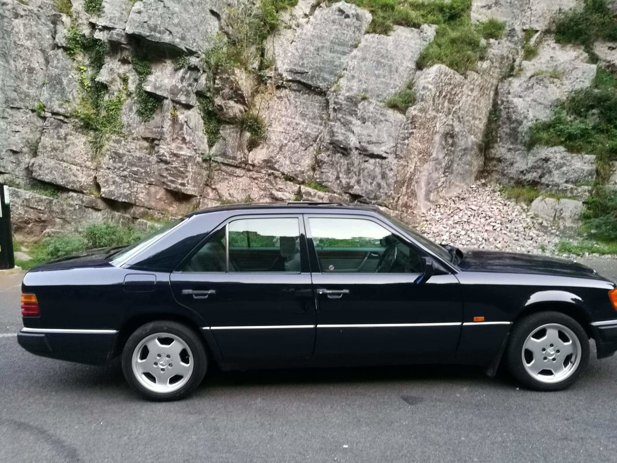1993 Mercedes W124 250D For Sale | Car And Classic