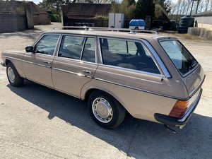 w123 mercedes 230te only 1 owner from new