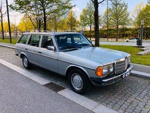 Mercedes-Benz 300TD Touring (w123)