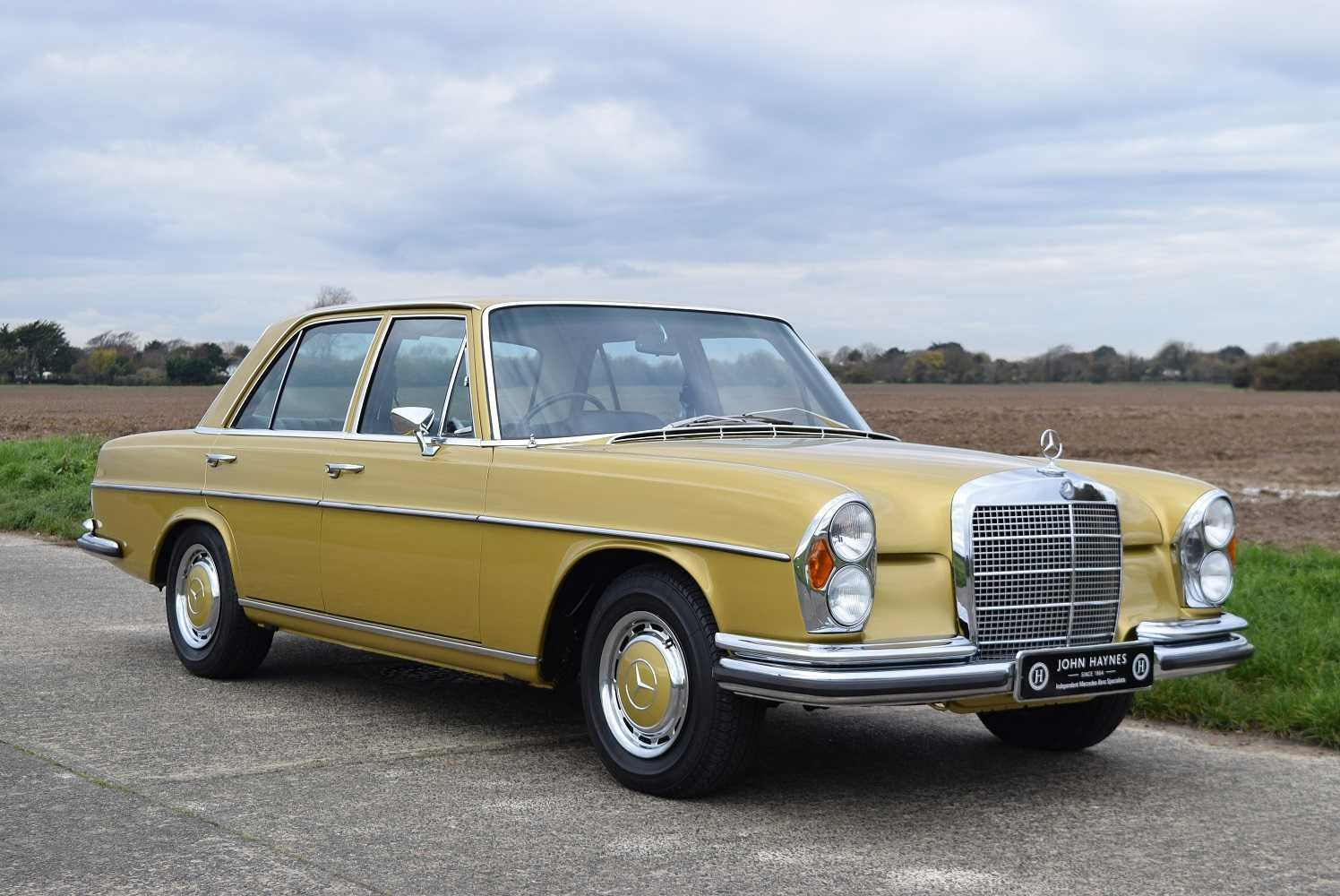 1972 Mercedes Benz 280SE/9 3.5  SOLD (picture 2 of 6)