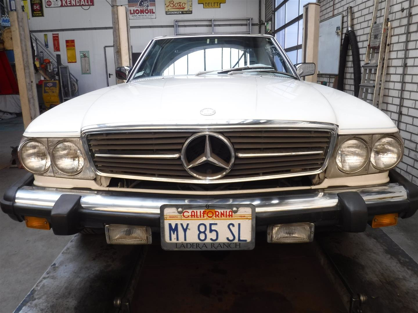 Mercedes Benz 380SL 1984 For Sale (picture 1 of 6)