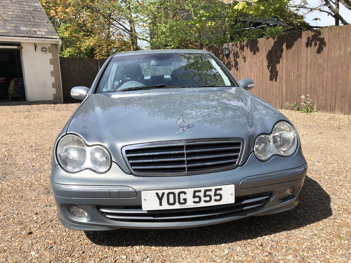 2004 Mercedes C220 CDI very nice car For Sale (picture 1 of 6)
