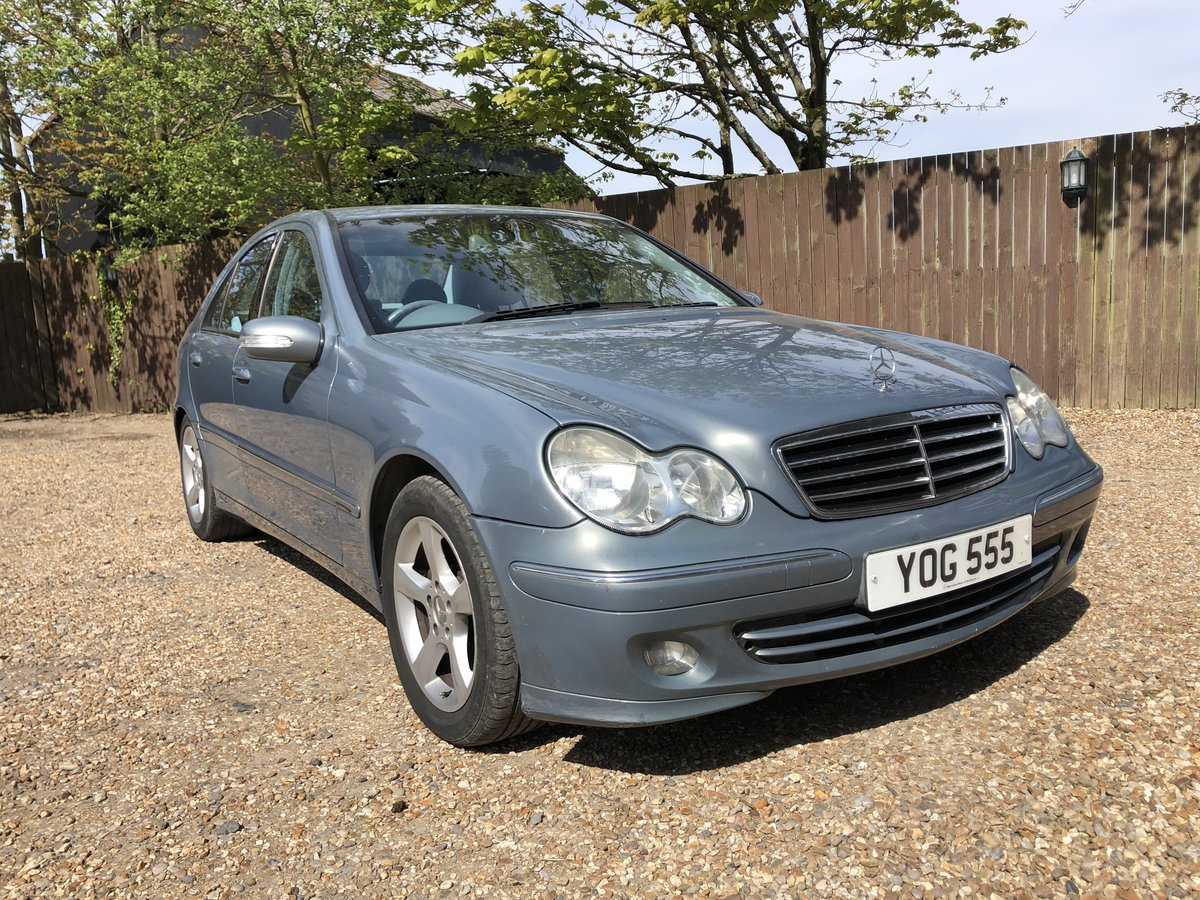 2004 Mercedes C220 CDI very nice car For Sale (picture 2 of 6)