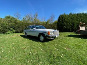1986 Mercedes 230 TE For Sale by Auction