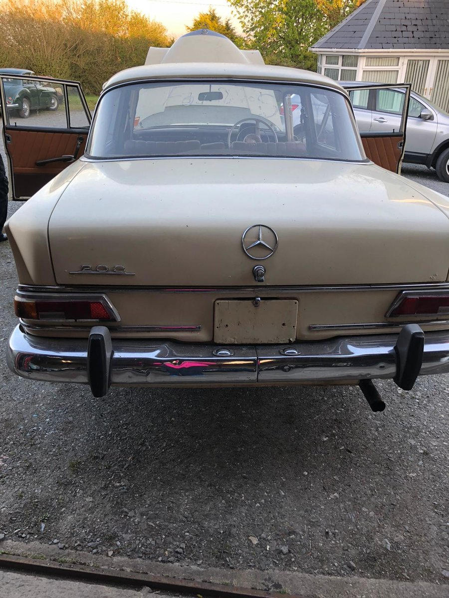 1967 Mercedes Fintail 200 For Sale (picture 4 of 6)
