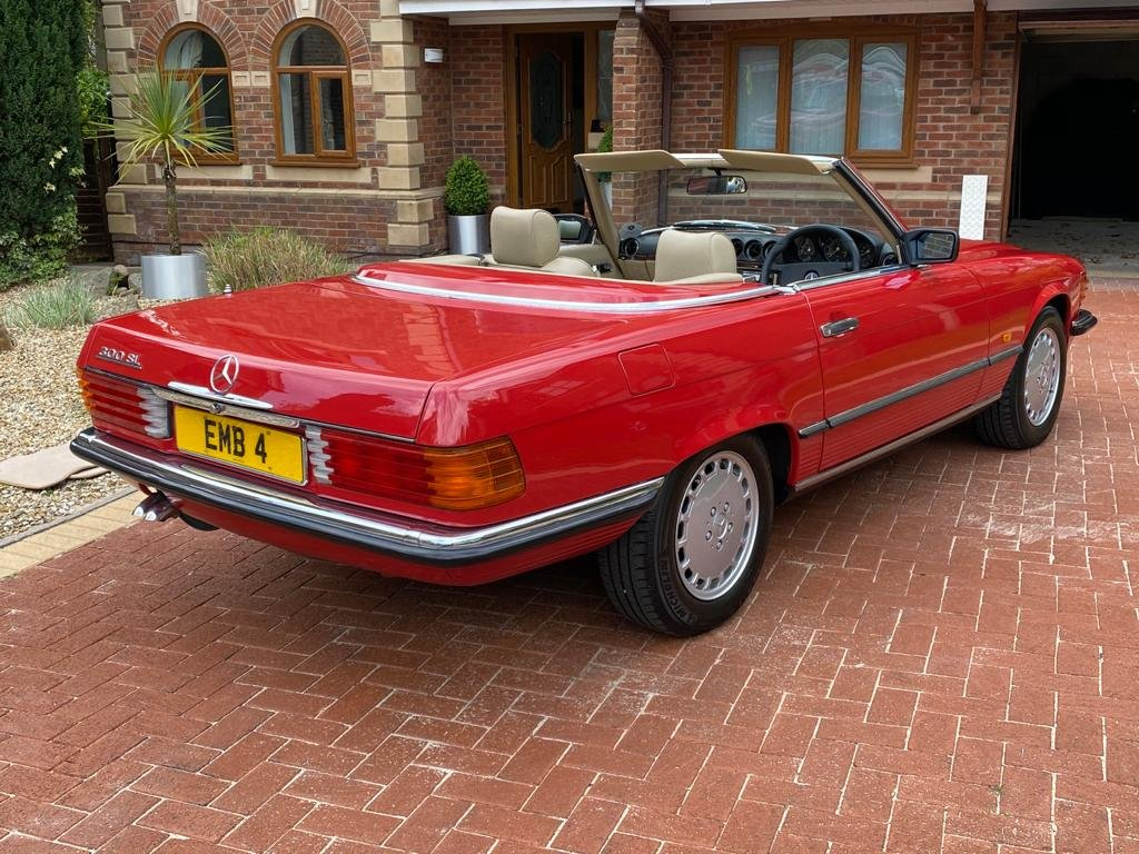 1986 Mercedes 300sl (r107)      For Sale (picture 2 of 6)