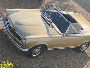 1967 Mercedes 250SL Rare UK Right Hand Drive For Sale
