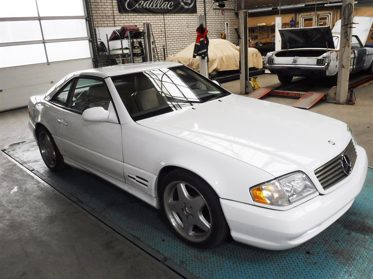 2000 Mercedes Benz 500SL For Sale (picture 2 of 6)