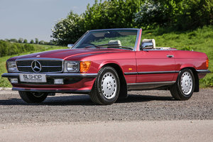 Mercedes-Benz 300SL (R107) Almandine Red #2163