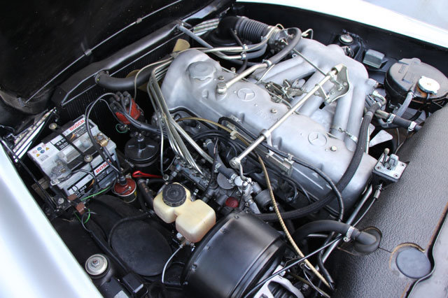 1963 LHD Mercedes 230 SL Pagode For Sale (picture 4 of 5)