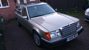 1993 Mercedes 220 estate