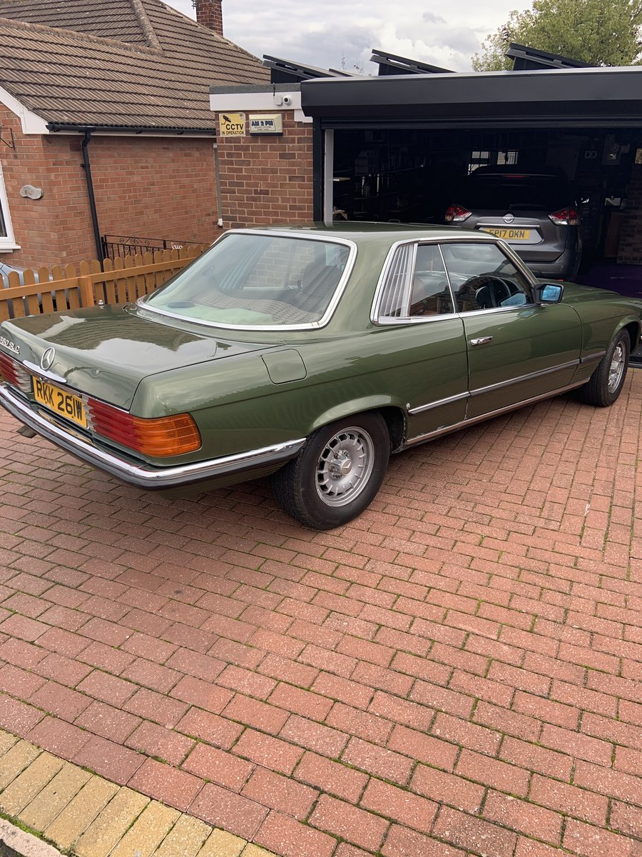 1981 Mercedes 380 SLC in a rare colour For Sale (picture 3 of 6)