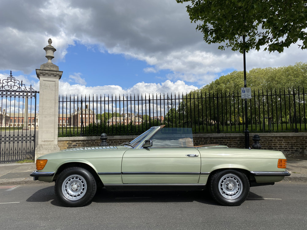 1979 Mercedes Benz 350SL with only 29500 miles since new!! For Sale (picture 7 of 24)