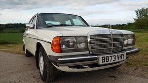 Mercedes W123 230e Exceptionally well cared for
