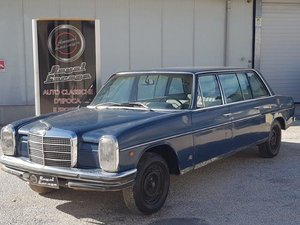 MERCEDES-BENZ W115\8 220D LONG 8 PLACES