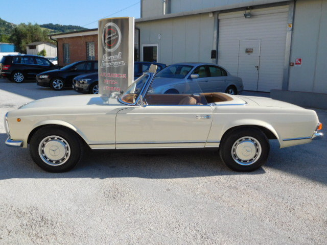 1967 MERCEDES SL 230 W113 PAGODA For Sale (picture 2 of 6)