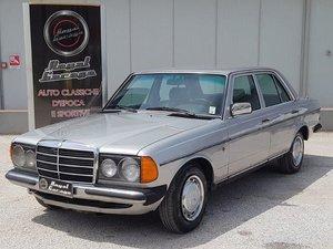 1983 MERCEDES 200 serie w123 -FOR RESTORATION For Sale