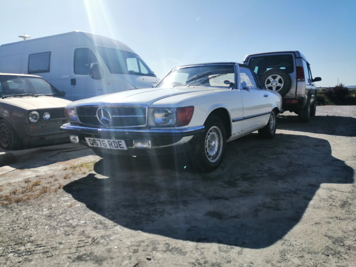 1971 Mercedes 350SL R107  light easy project For Sale (picture 1 of 3)