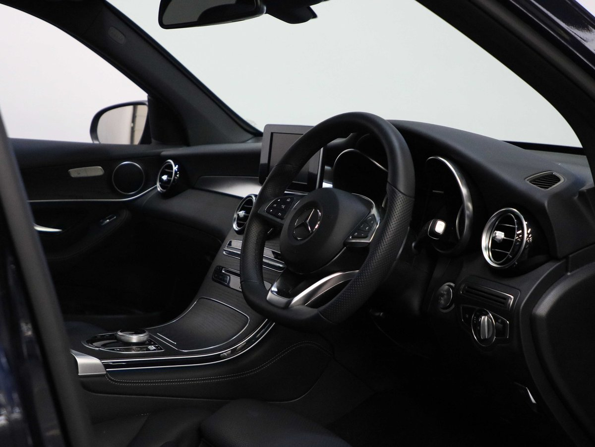 2019 19 19 MERCEDES BENZ GLC 250 AMG NIGHT EDITION AUTO For Sale (picture 5 of 6)