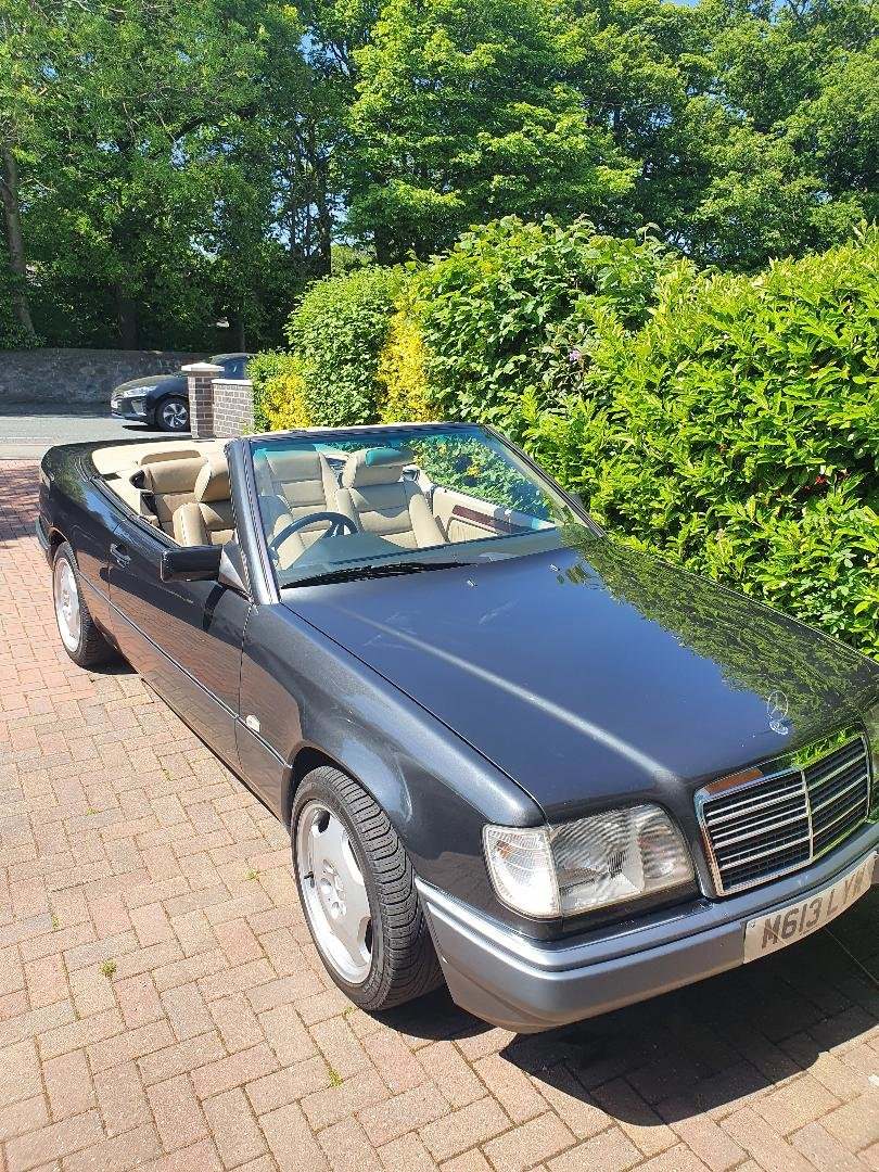 1994 Mercedes w124 e220 convertible/cabriolet For Sale (picture 2 of 6)