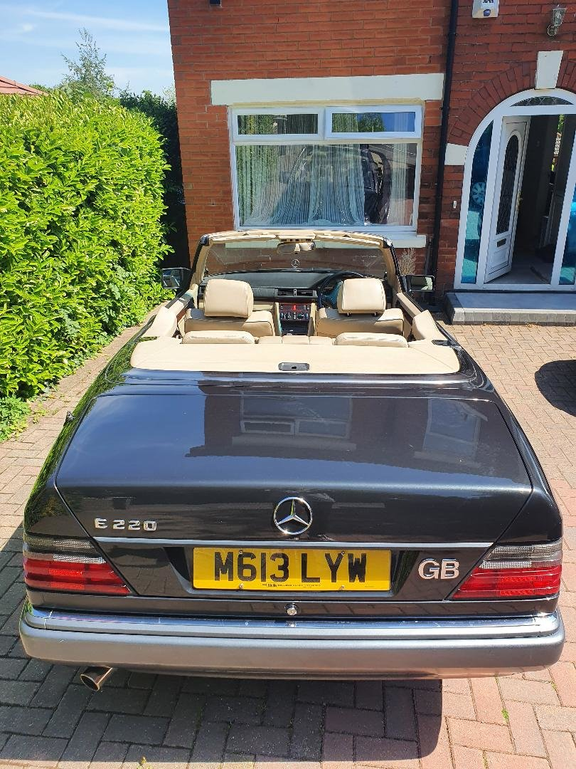 1994 Mercedes w124 e220 convertible/cabriolet For Sale (picture 5 of 6)