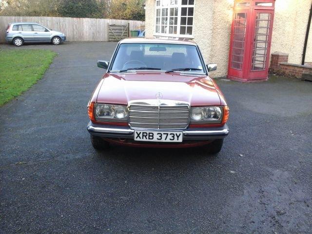1983 Y MERCEDES 200, 4 DOOR MANUAL, For Sale (picture 1 of 4)