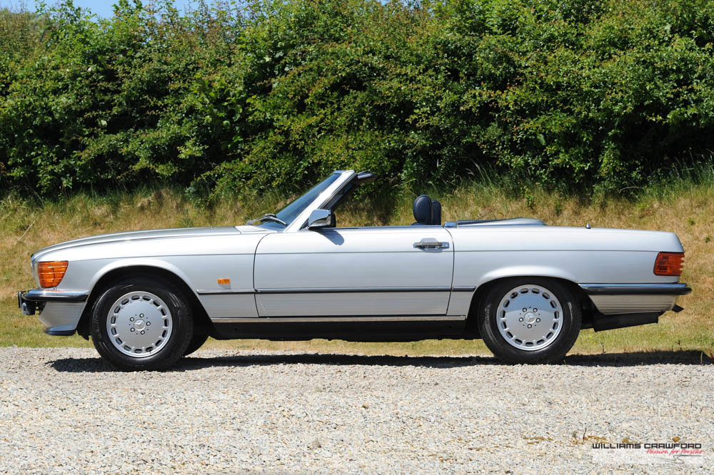 1989 (1988 MY) Mercedes Benz 300 SL (R107) auto For Sale (picture 2 of 6)