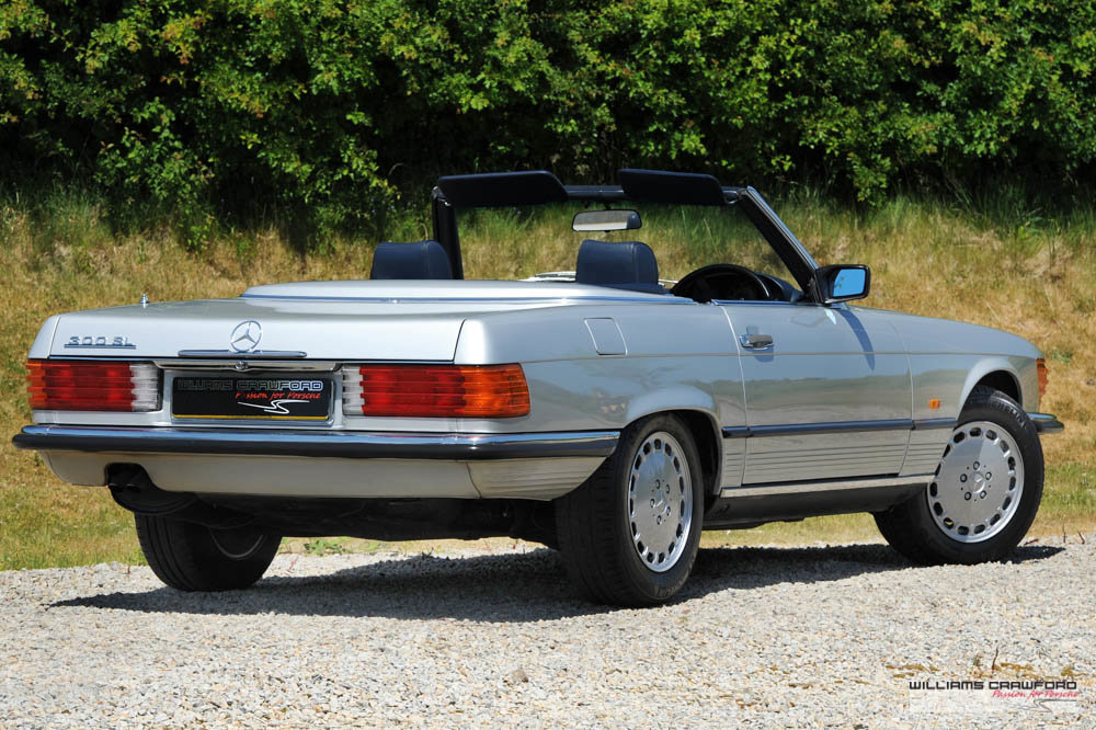 1989 (1988 MY) Mercedes Benz 300 SL (R107) auto For Sale (picture 3 of 6)