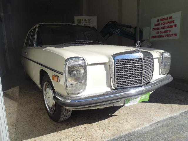 1972 Mercedes 220/8 For Sale (picture 4 of 6)