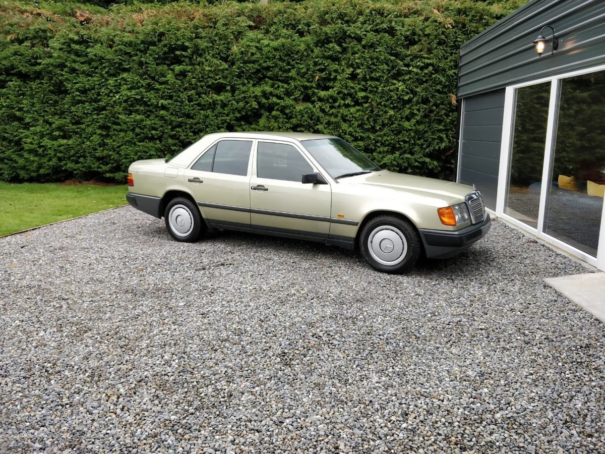 1985 1986 Mercedes 200 with 65k miles SOLD (picture 1 of 6)
