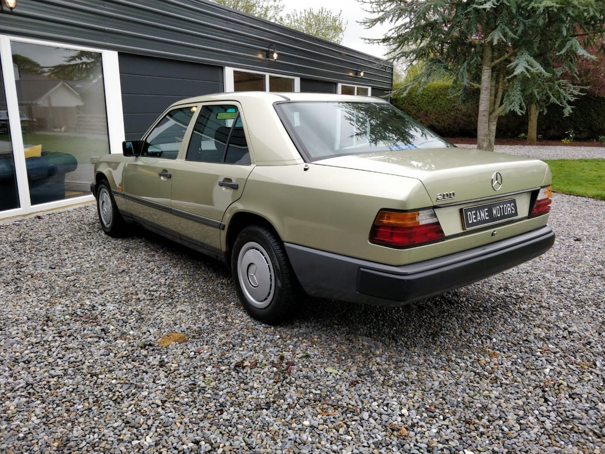1985 1986 Mercedes 200 with 65k miles SOLD (picture 2 of 6)