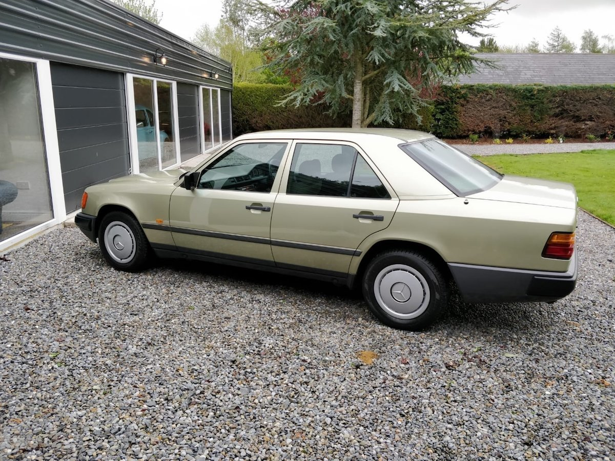 1985 1986 Mercedes 200 with 65k miles SOLD (picture 3 of 6)