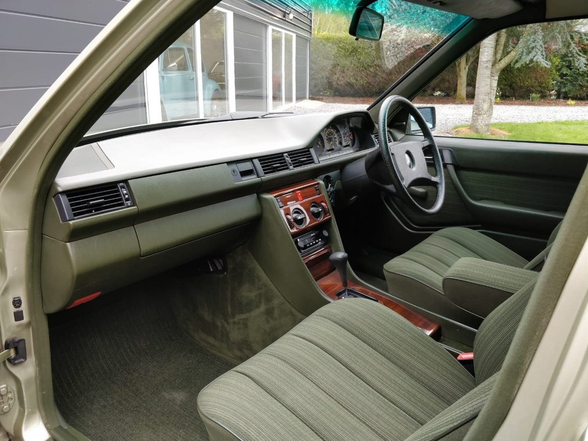 1985 1986 Mercedes 200 with 65k miles SOLD (picture 4 of 6)