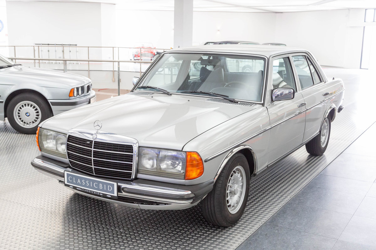 1977 Mercedes-Benz 280  For Sale (picture 1 of 6)