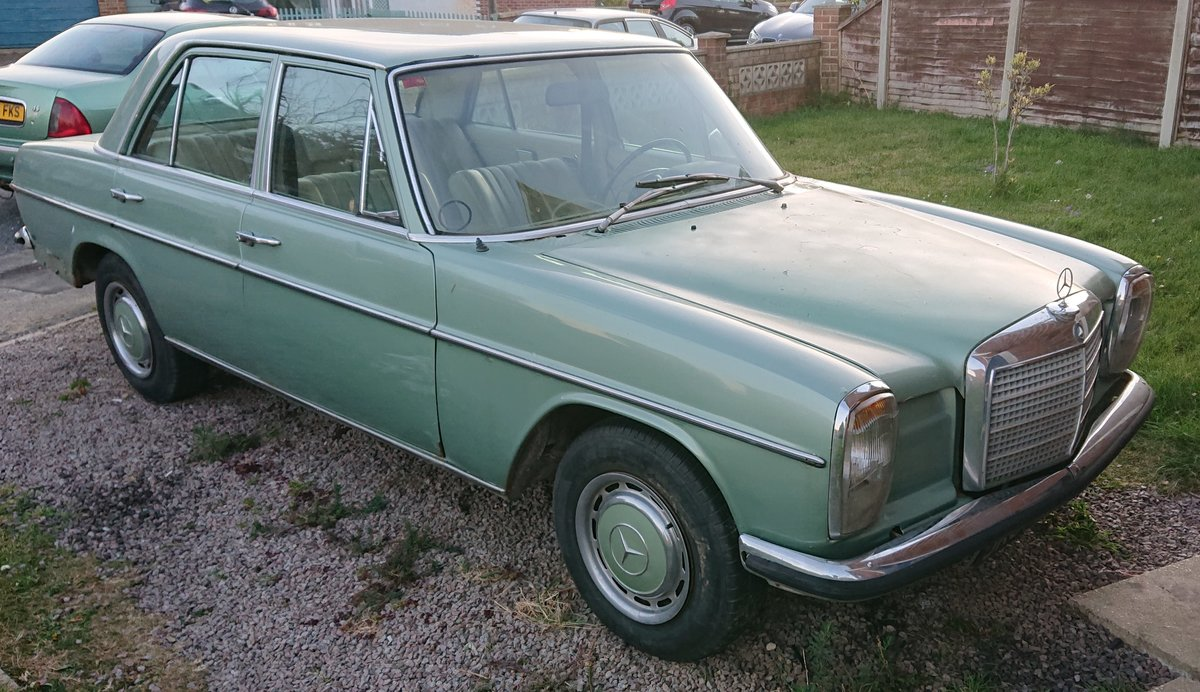 1972 Mercedes 220D (W115) LHD For Sale (picture 1 of 6)