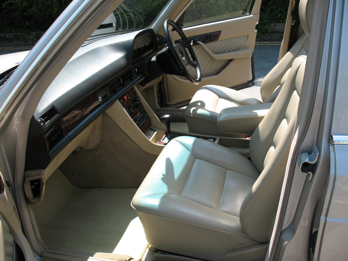 Mercedes Benz 500SE W126 1991 'H' Reg, Auto, Beautiful Car For Sale (picture 3 of 6)