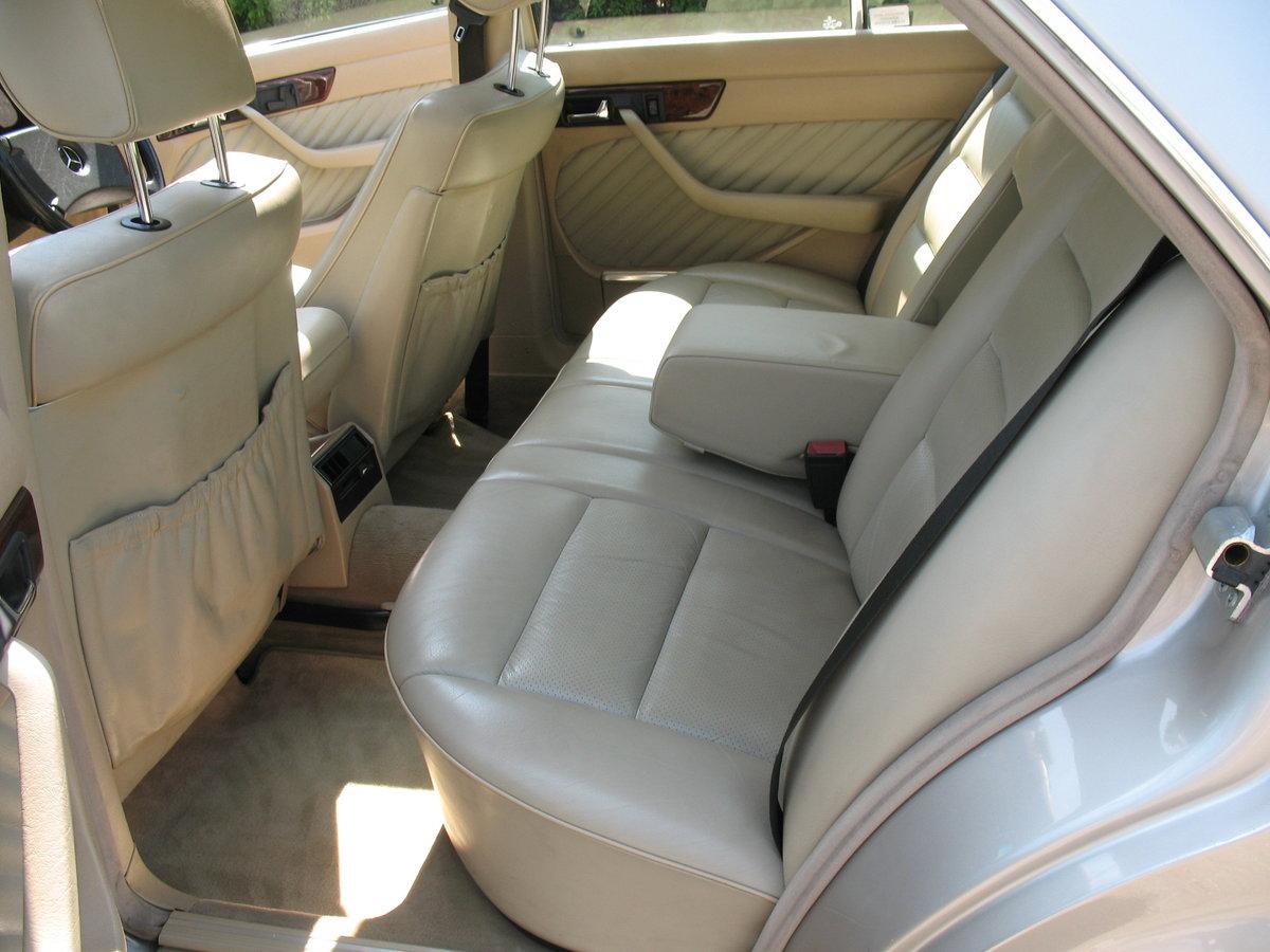 Mercedes Benz 500SE W126 1991 'H' Reg, Auto, Beautiful Car For Sale (picture 4 of 6)