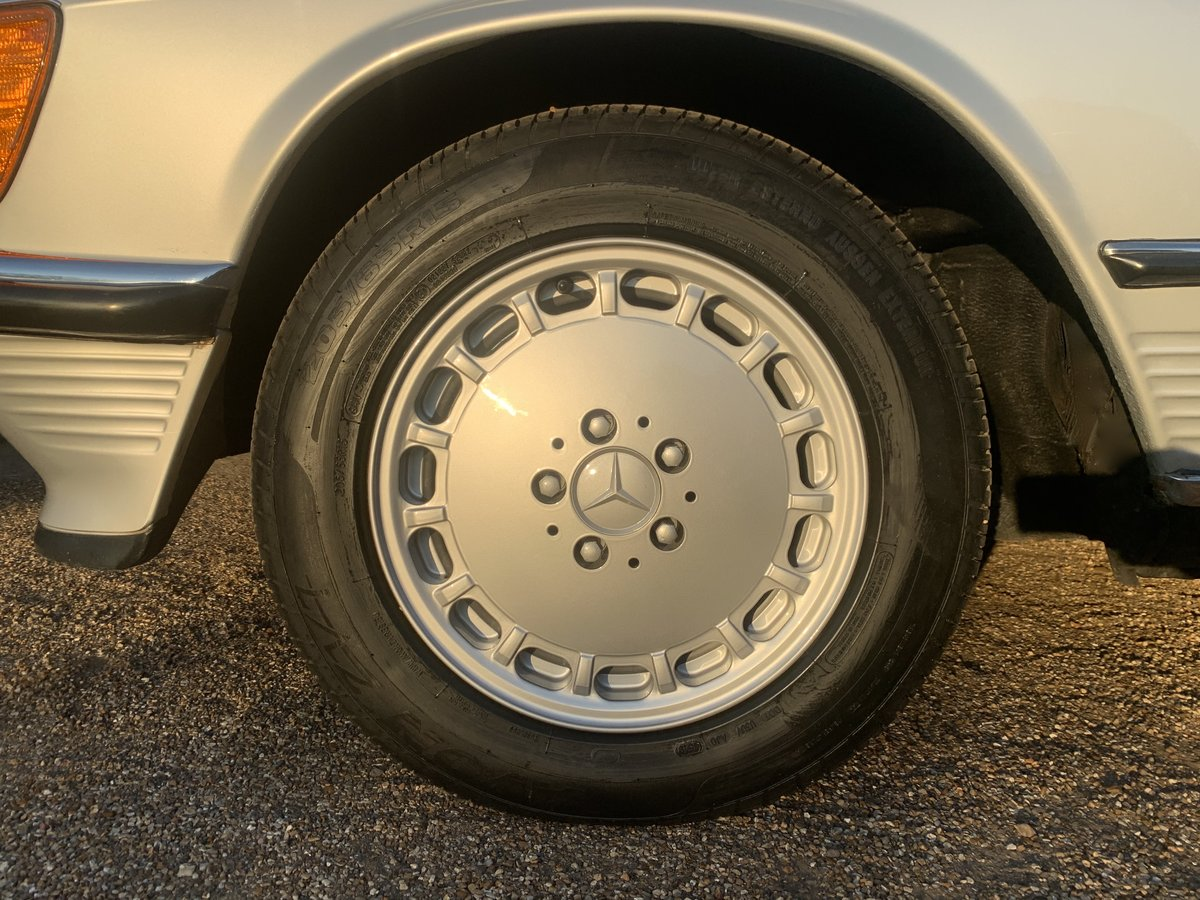 1986 MERCEDES R107 300 SL For Sale (picture 6 of 6)