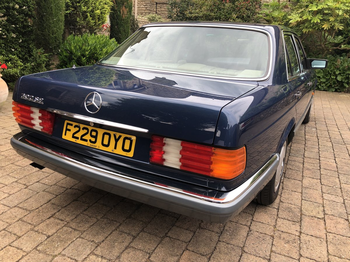 1988 Outstanding Classic Mercedes 300SE For Sale (picture 3 of 6)