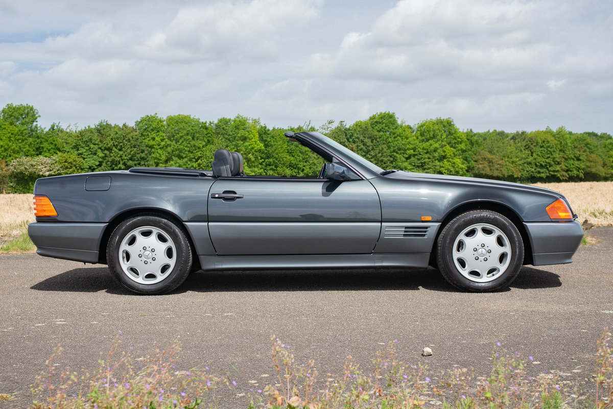 1994 Mercedes R129 SL500 - 5894 Miles From New! For Sale (picture 2 of 6)