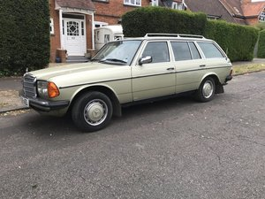 Mercedes W123 230 TE Estate