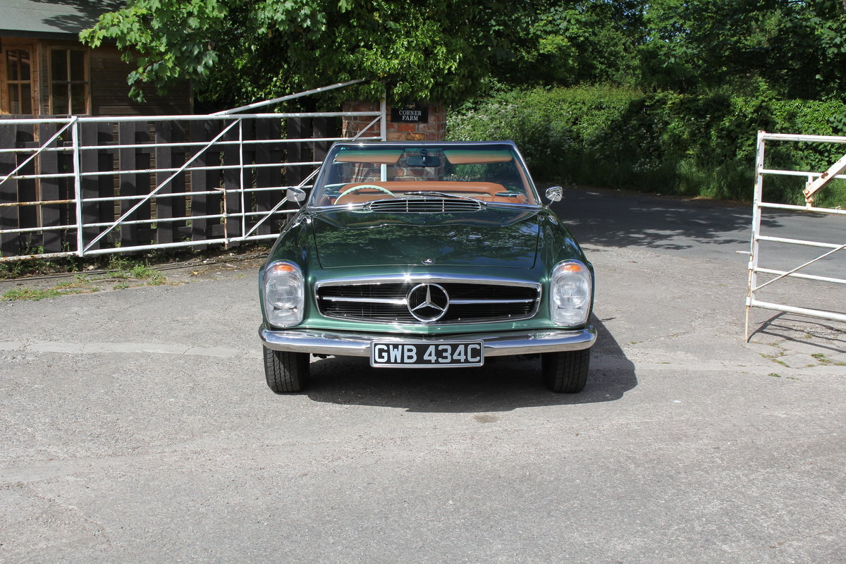 1965 Mercedes 230SL Pagoda, 5 speed ZF gearbox, show standard For Sale (picture 2 of 24)