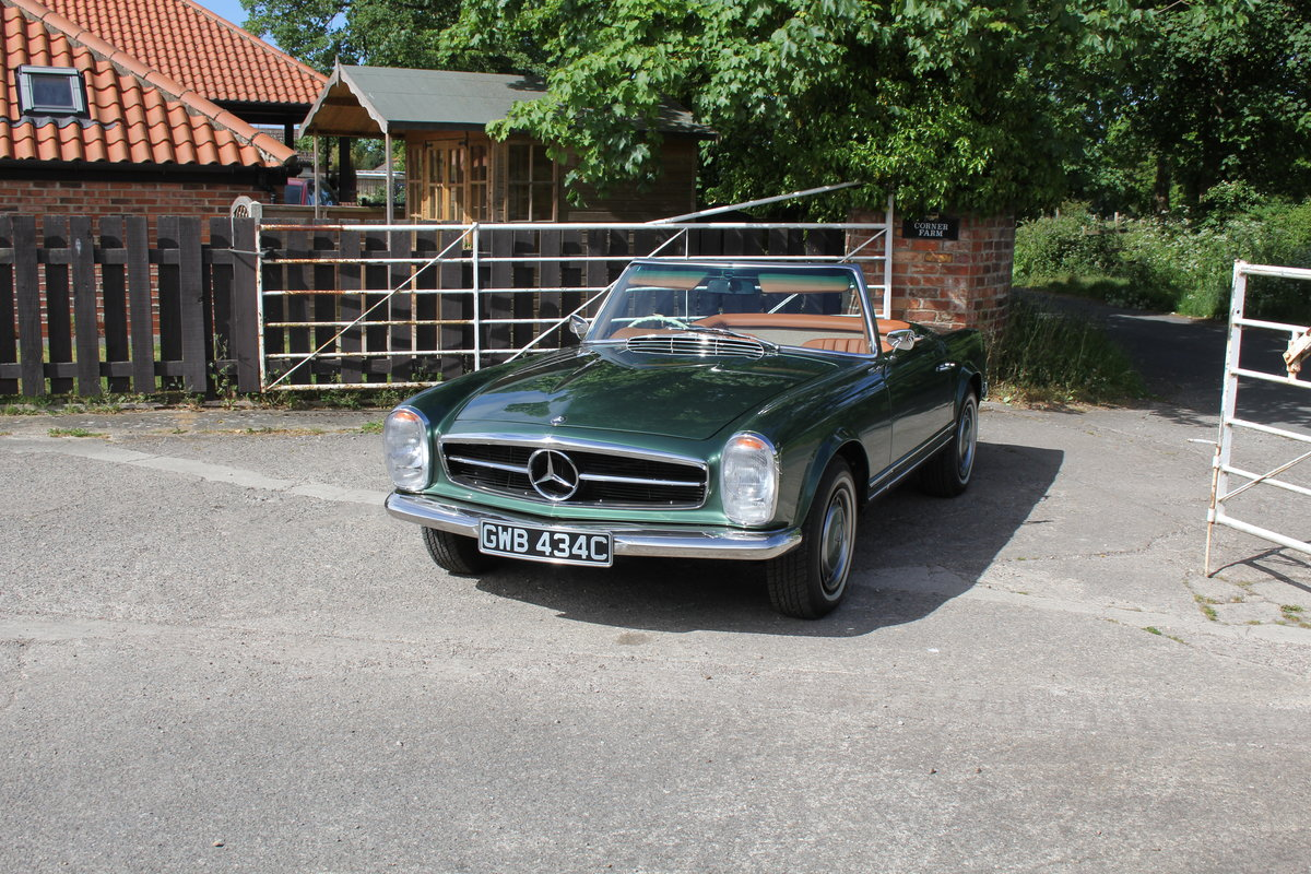 1965 Mercedes 230SL Pagoda, 5 speed ZF gearbox, show standard For Sale (picture 3 of 24)