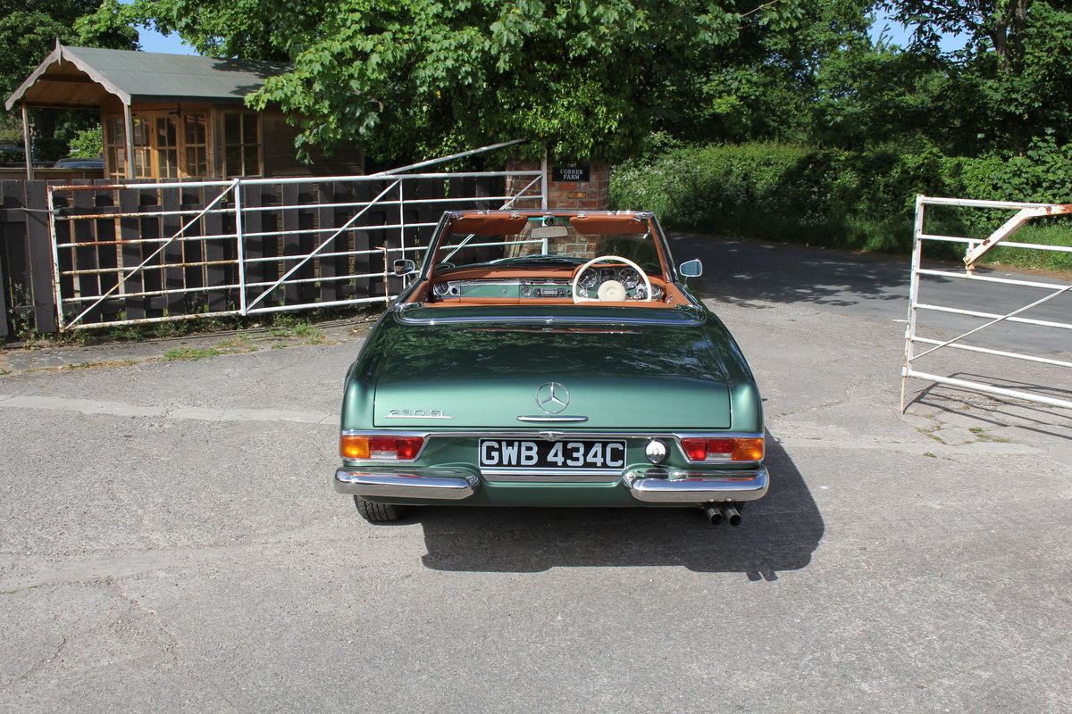 1965 Mercedes 230SL Pagoda, 5 speed ZF gearbox, show standard For Sale (picture 5 of 24)