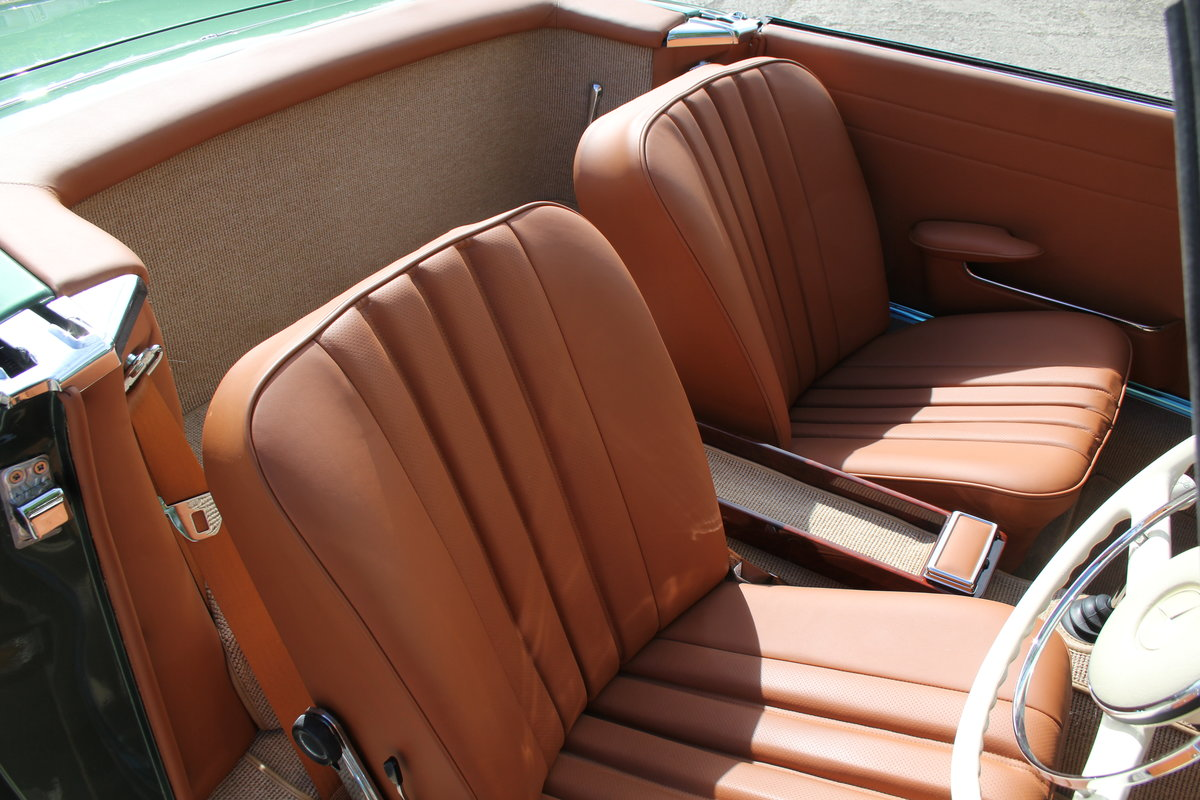 1965 Mercedes 230SL Pagoda, 5 speed ZF gearbox, show standard For Sale (picture 9 of 24)