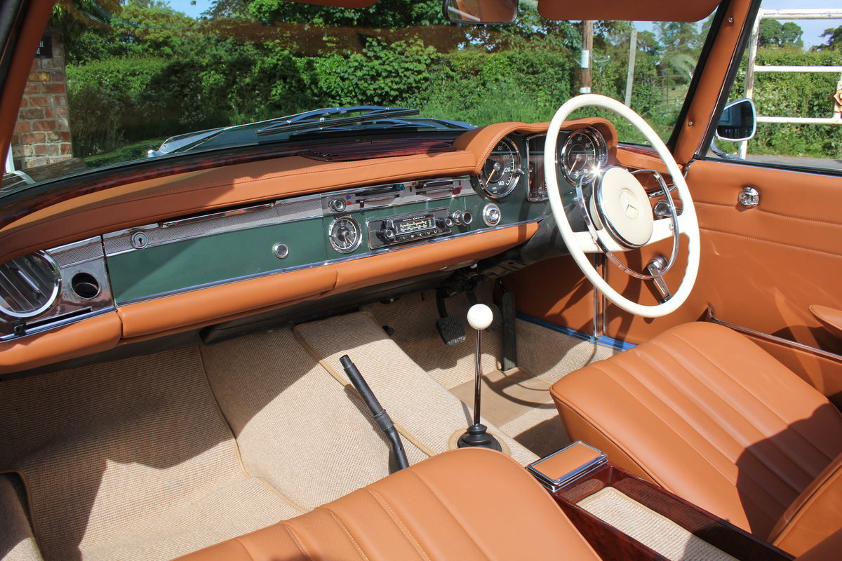 1965 Mercedes 230SL Pagoda, 5 speed ZF gearbox, show standard For Sale (picture 11 of 24)