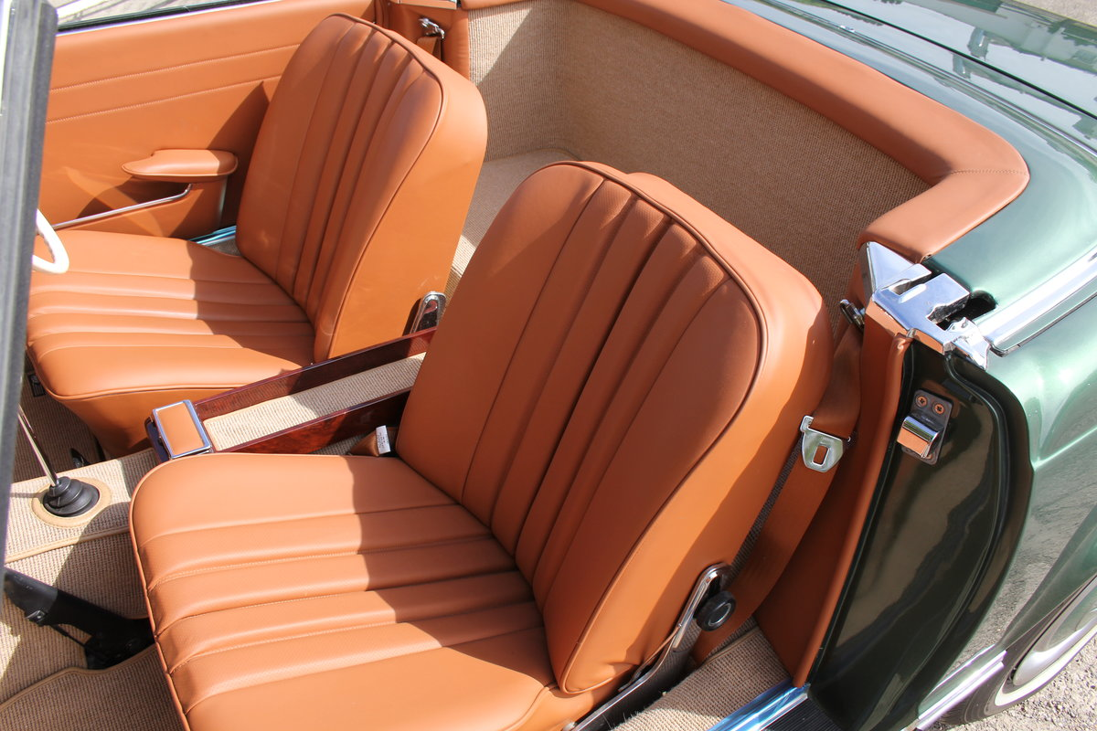 1965 Mercedes 230SL Pagoda, 5 speed ZF gearbox, show standard For Sale (picture 13 of 24)